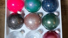 DIFridaY: Homemade Holiday Gifts: Holiday Ornaments
